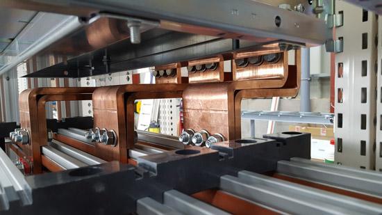 Machine fabrication tableaux électriques